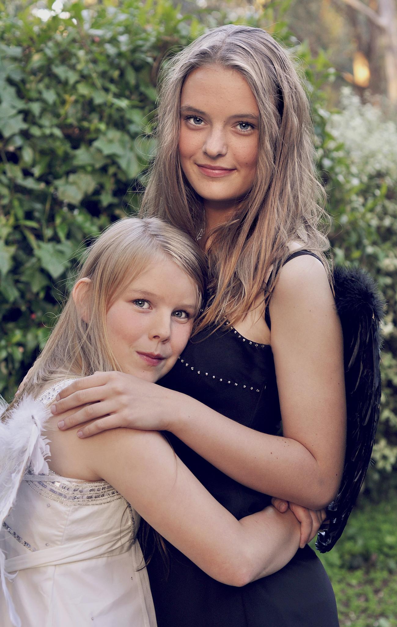 Sisters by rachelphillips100