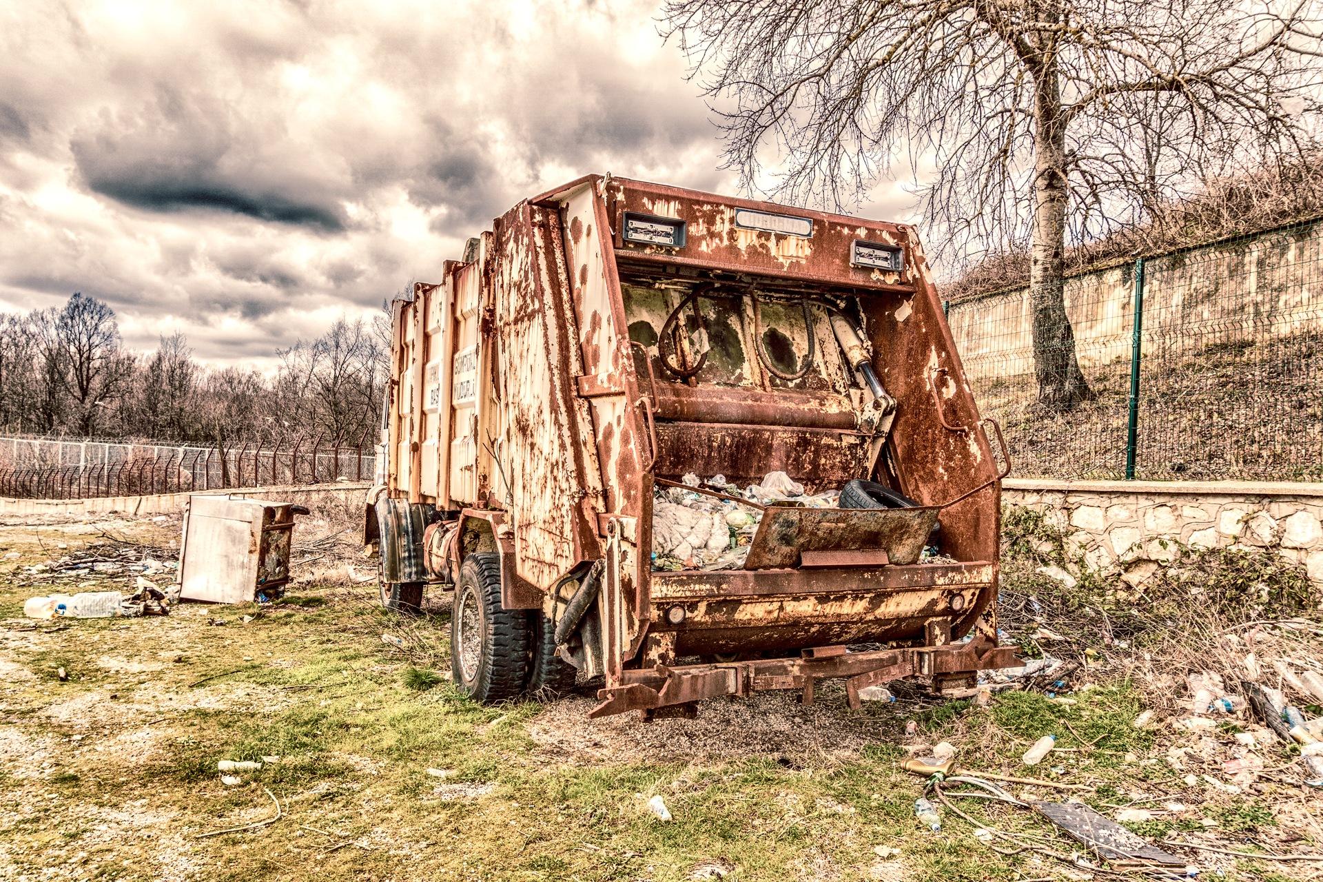 Waste truck  by Venelin Todorov