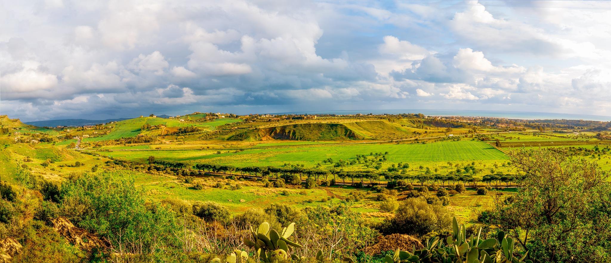 Agrigento, Panorama  by Venelin Todorov