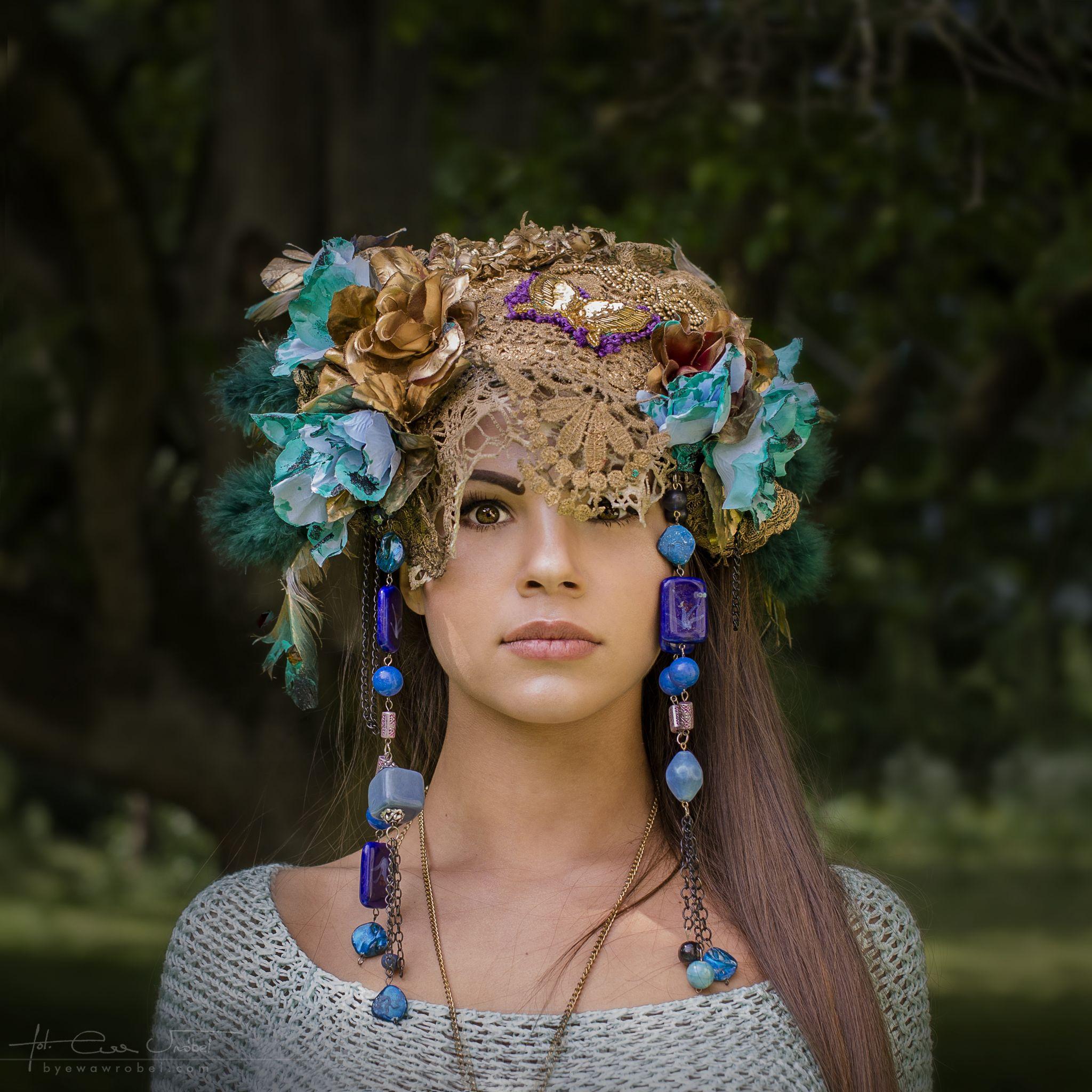 SHAMAN WOMAN by byewawrobel