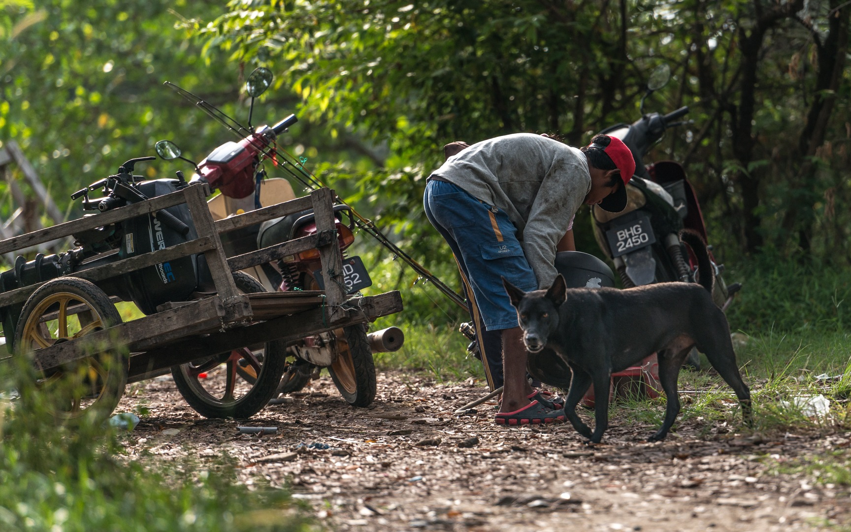 Orang Asli - On The Way To Catch Fish by klchin66