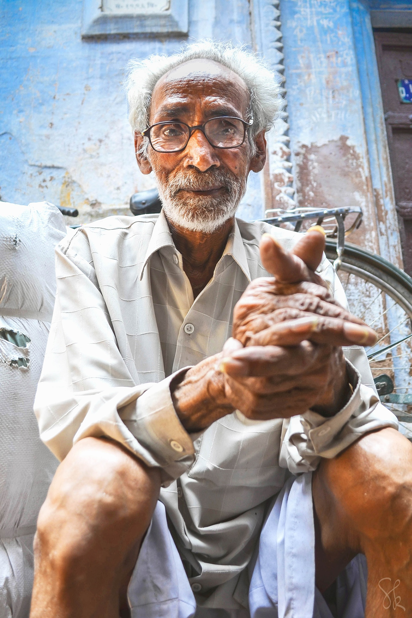A old man from Varanasi  by Seif
