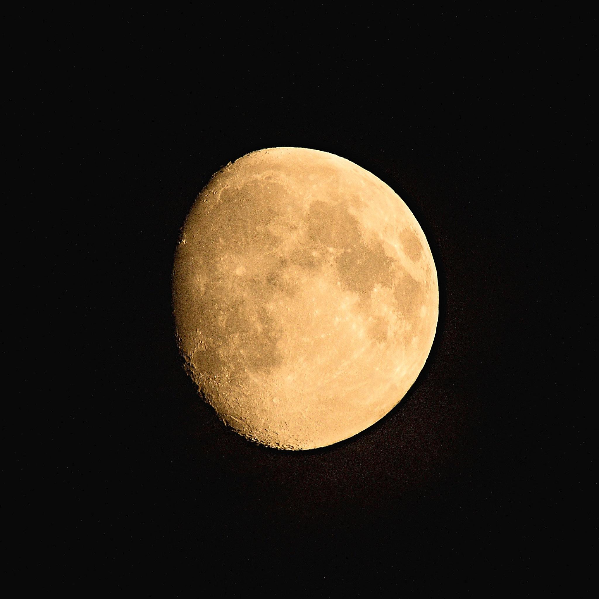 Moon by hammarbytp
