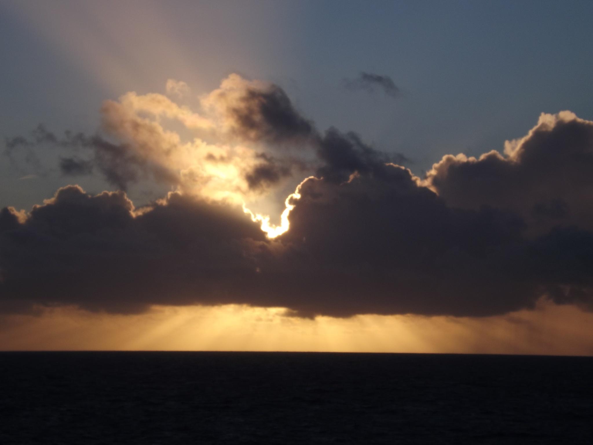 norways midnight sun  by hev