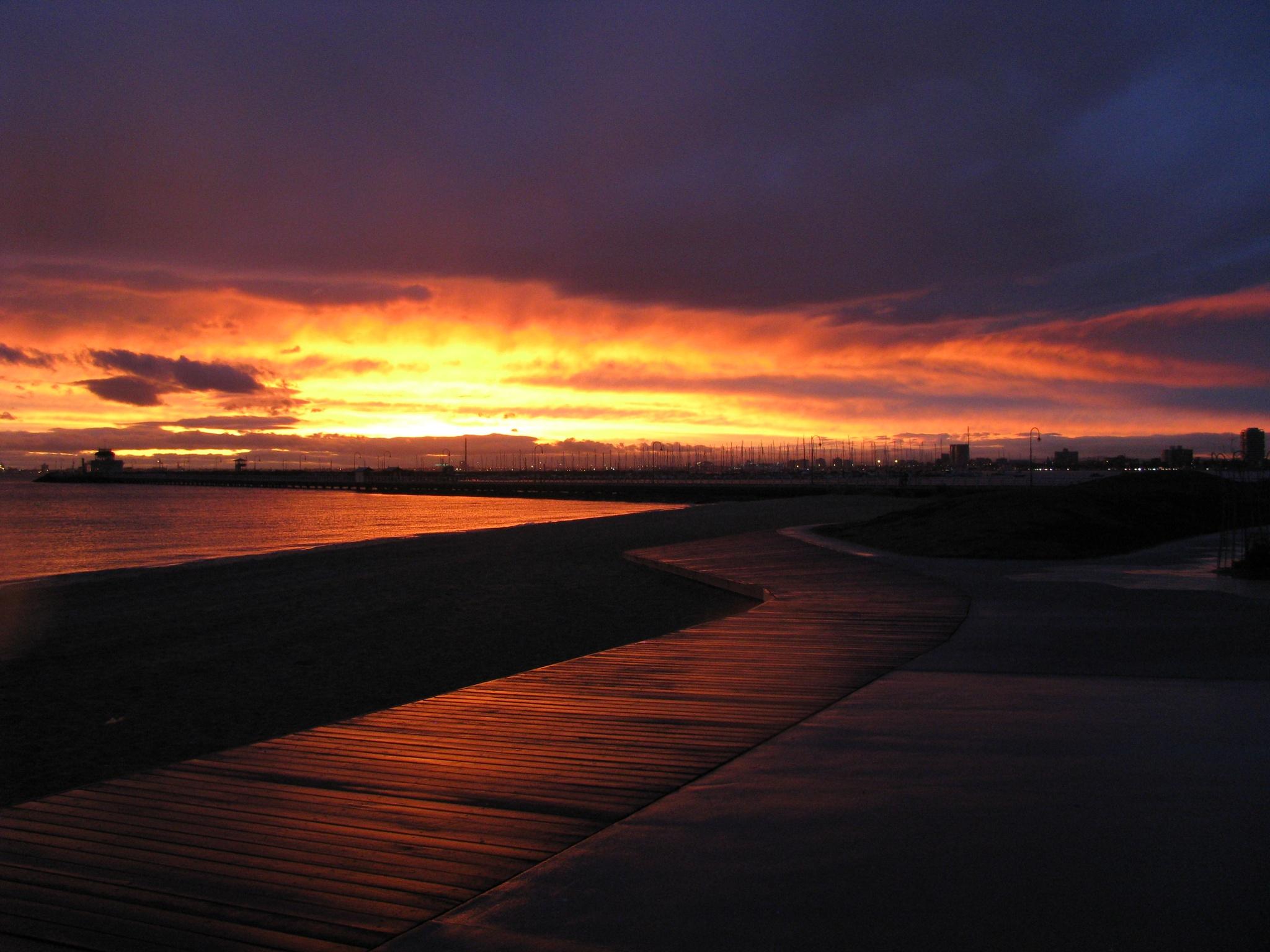 Beautiful winter sunset at St.Kilda Beach by easysun