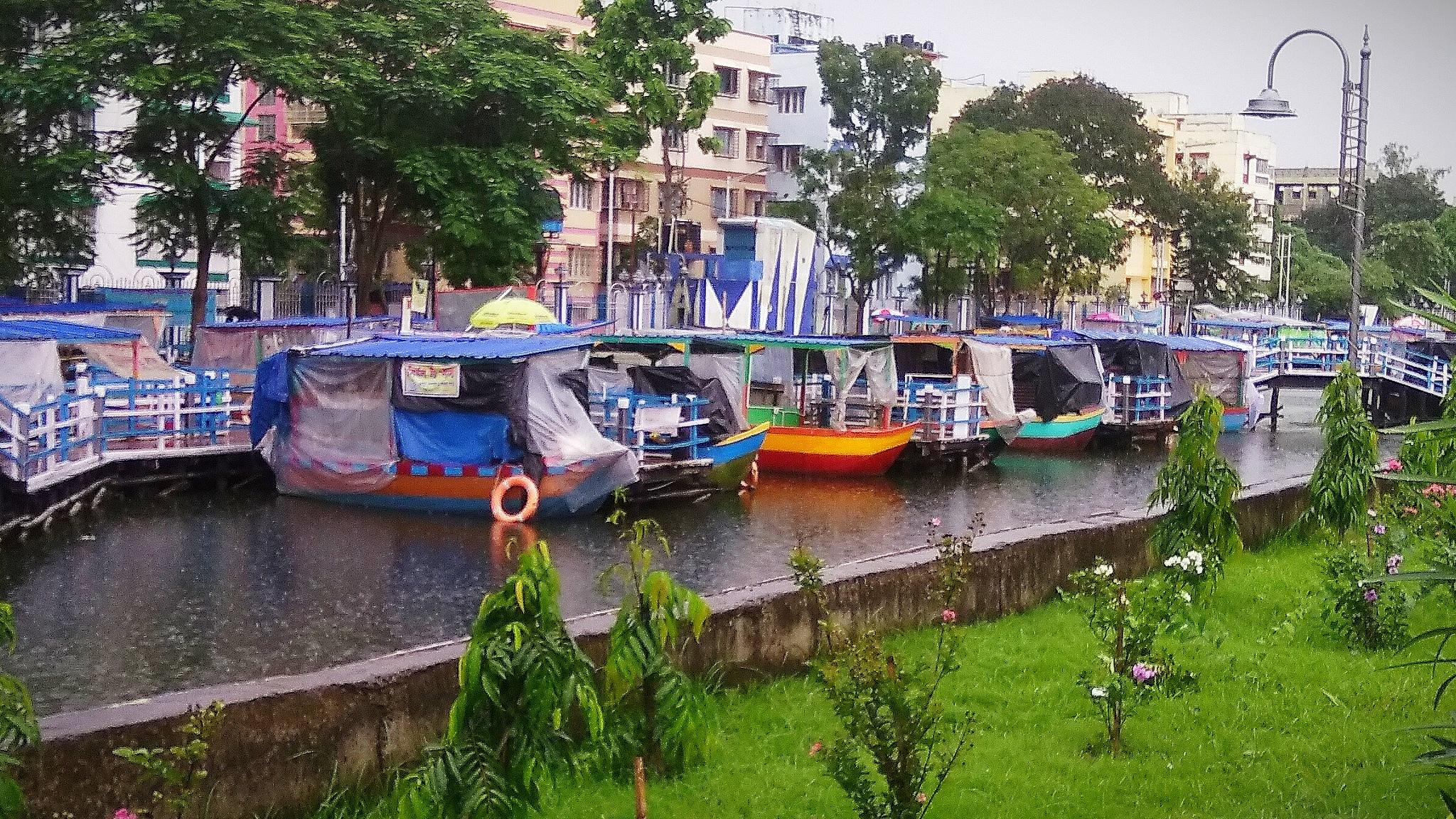 Floating Market by Dibyendu Chatterjii