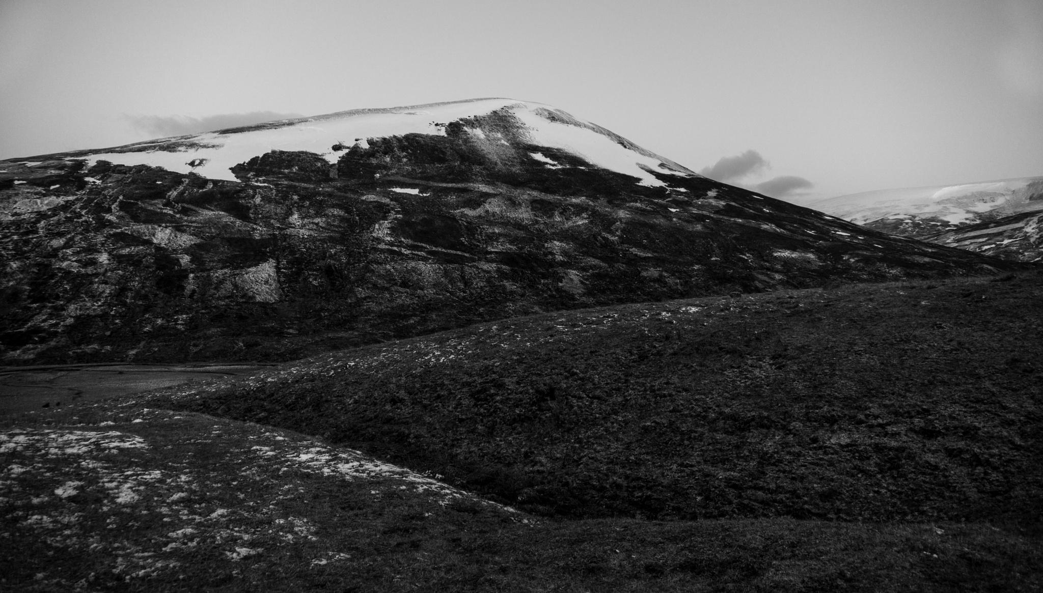 Mountain Range - Speyside by David Hawkes