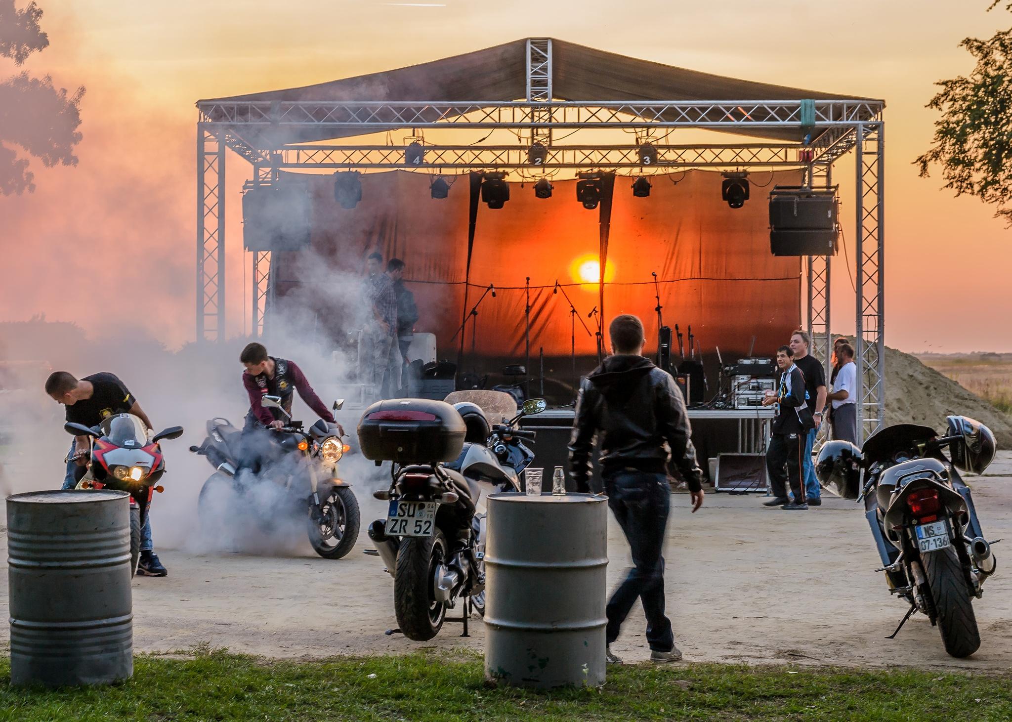 Sunset behind the stage  by Darko Zivlakovic