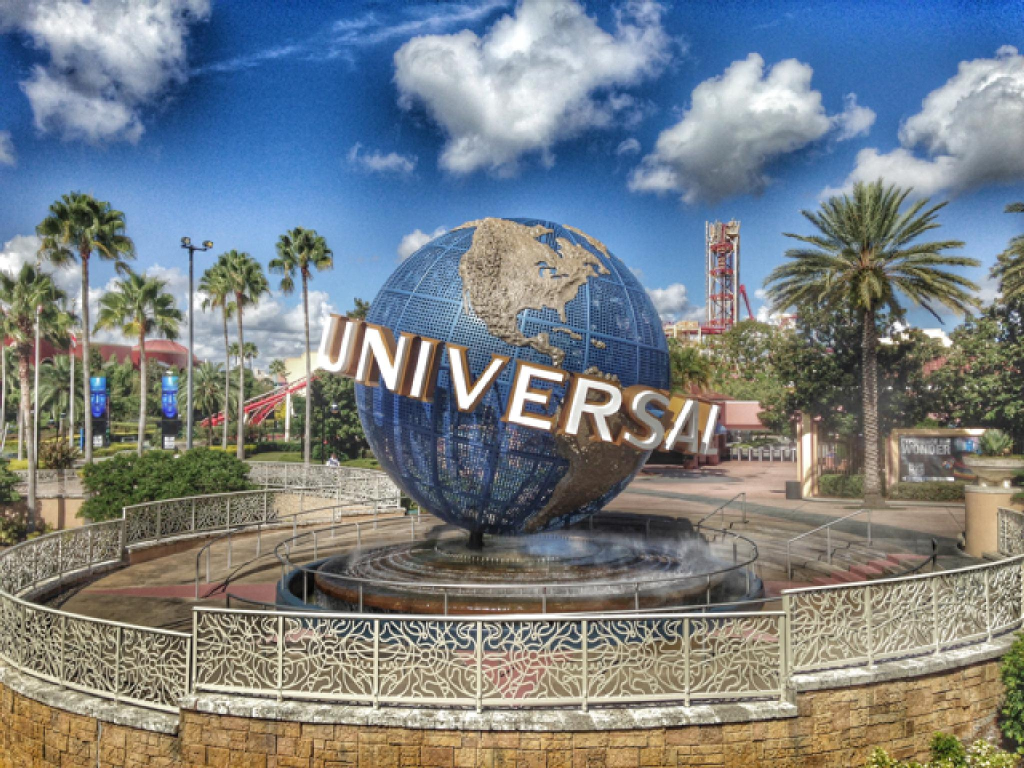 Universal? no Orlando! by Paul Brown