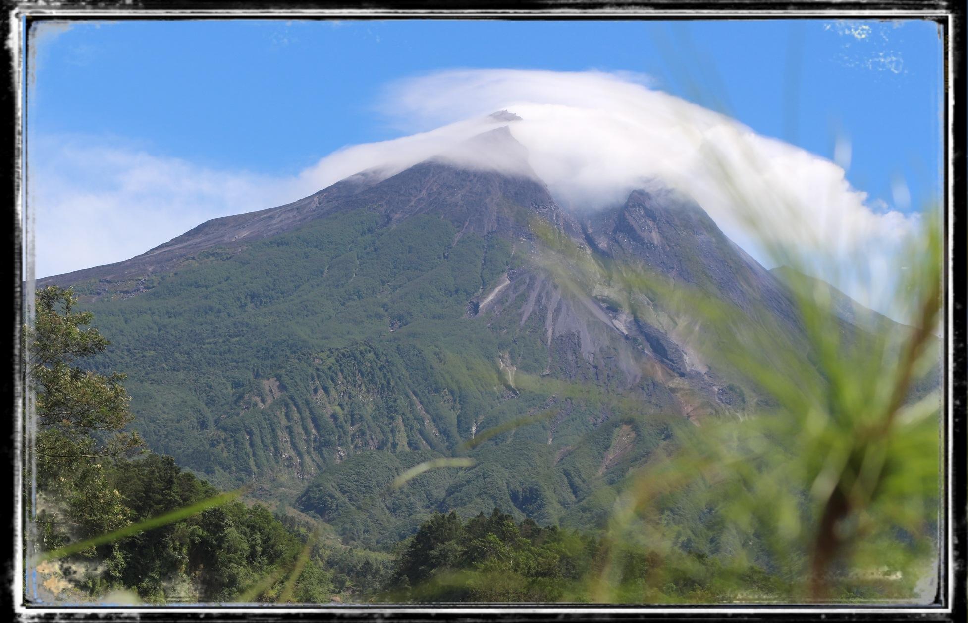 Mountain by Diana Nita