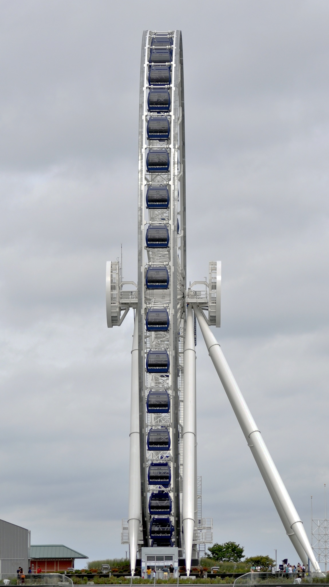 The swing wheel of Chicago by Sadiq Ali AlQatari