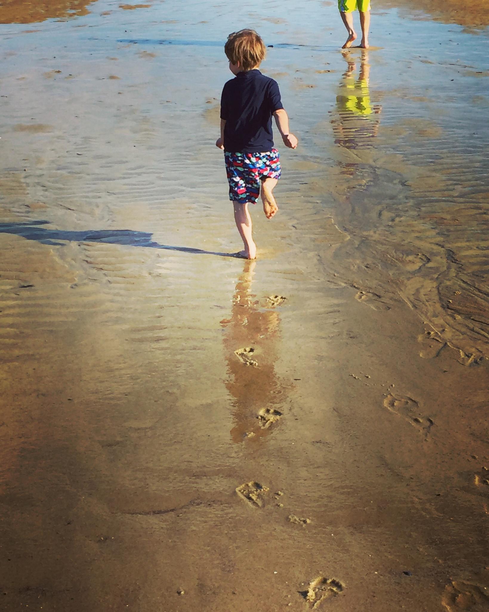 Footprints  by MaryW
