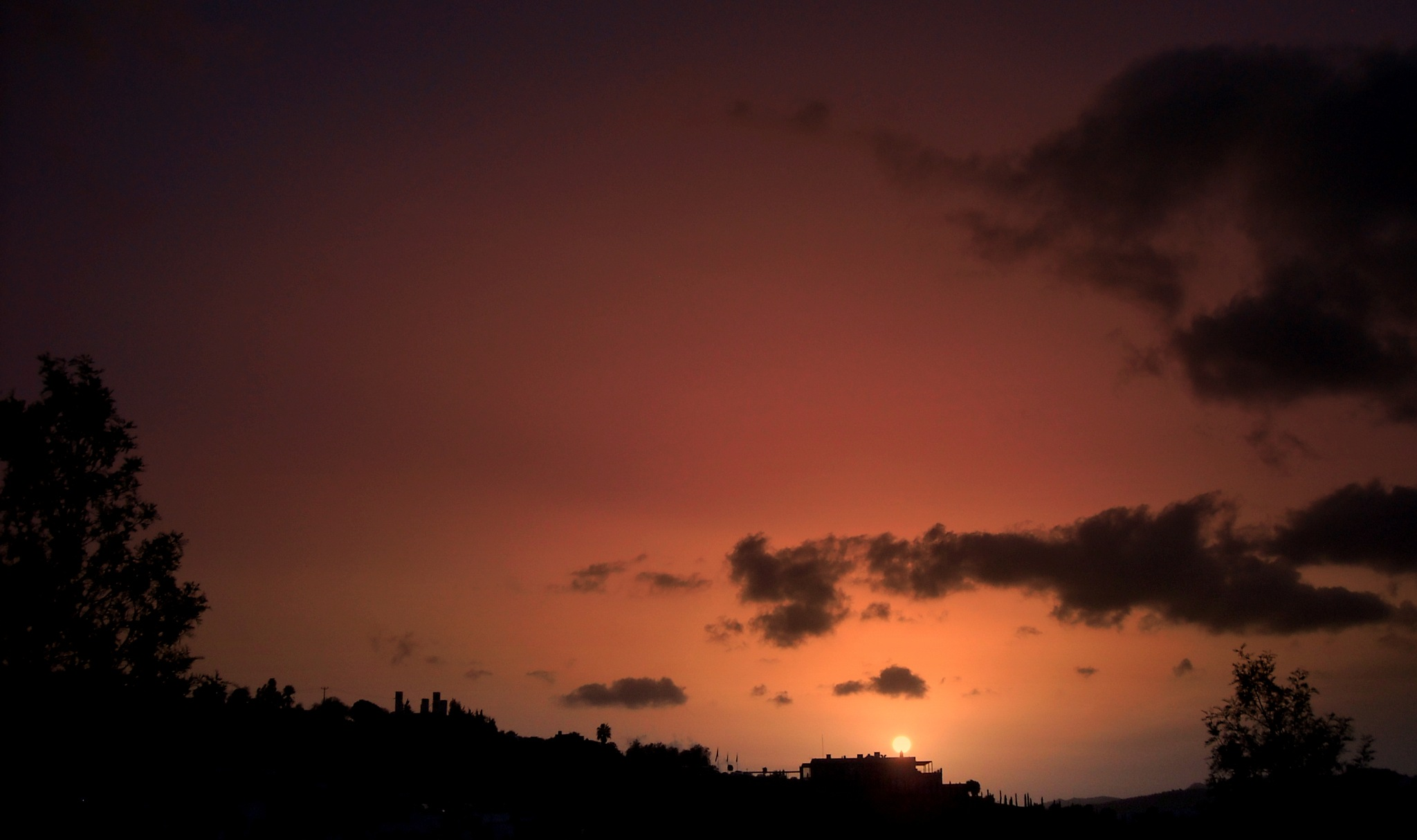 HERE IS THE BITEZ SUNSET  FULL SCREEN by Akin Saner