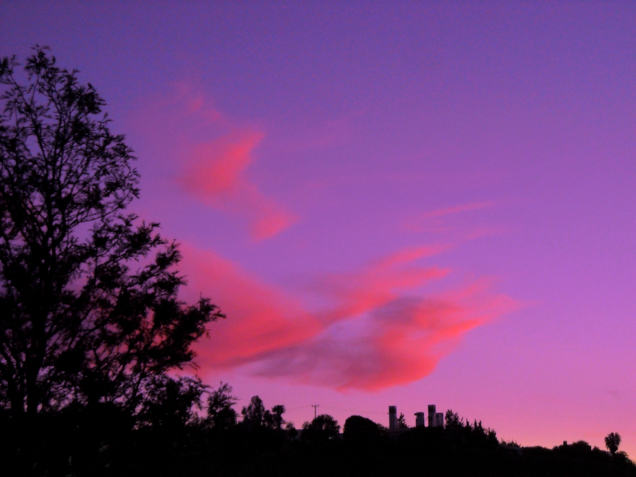 BEAUTIFUL CLOUDS JUST AFTER SUNSET, BITEZ by Akin Saner