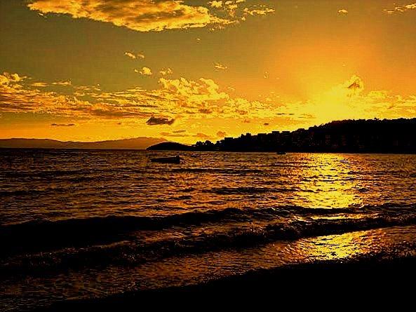 FANTASTIC SUNSETS OF BITEZ 4 by Akin Saner
