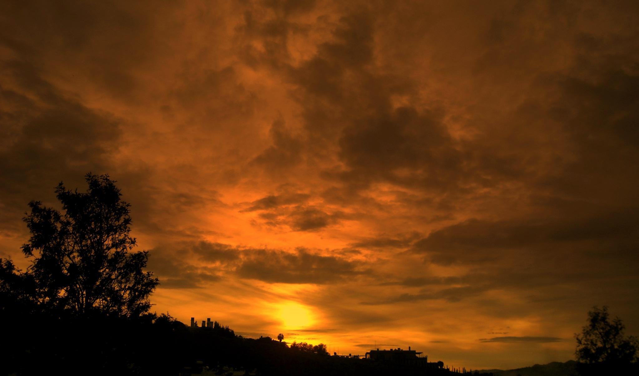 BEAUTIFUL SUNSETS 50, FULL SCREEN by Akin Saner