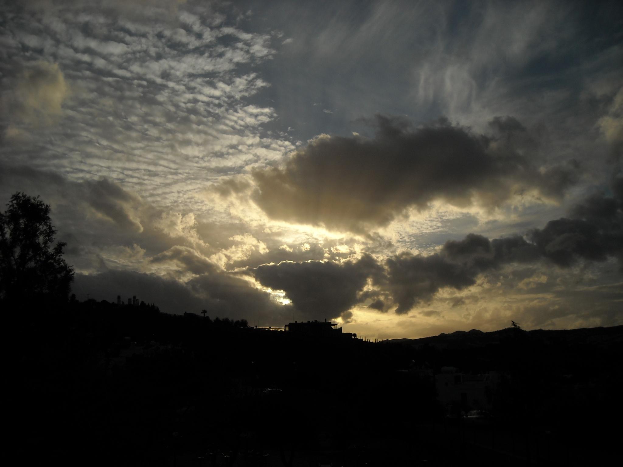 SUNSET FMB, 25/450 by Akin Saner