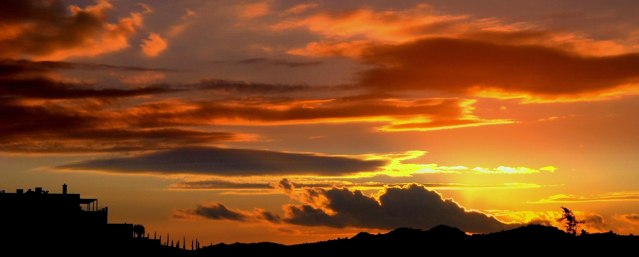 BEAUTIFUL SUNSETS 7, BITEZ by Akin Saner