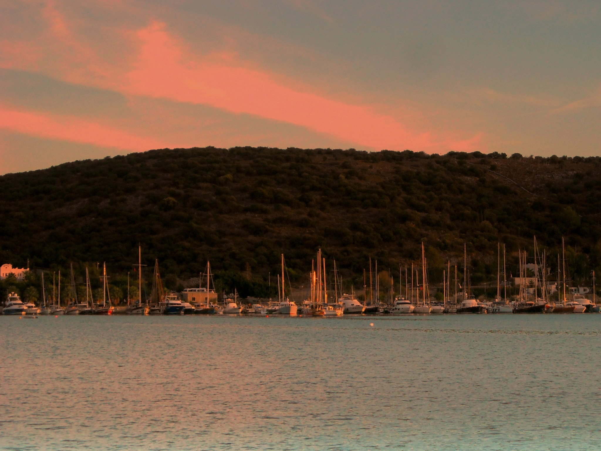 BITEZ PIER AT SUNSET, FULL SCREEN by Akin Saner