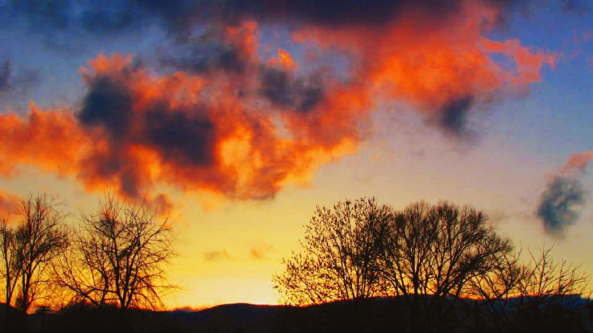sky on fire by dundacska