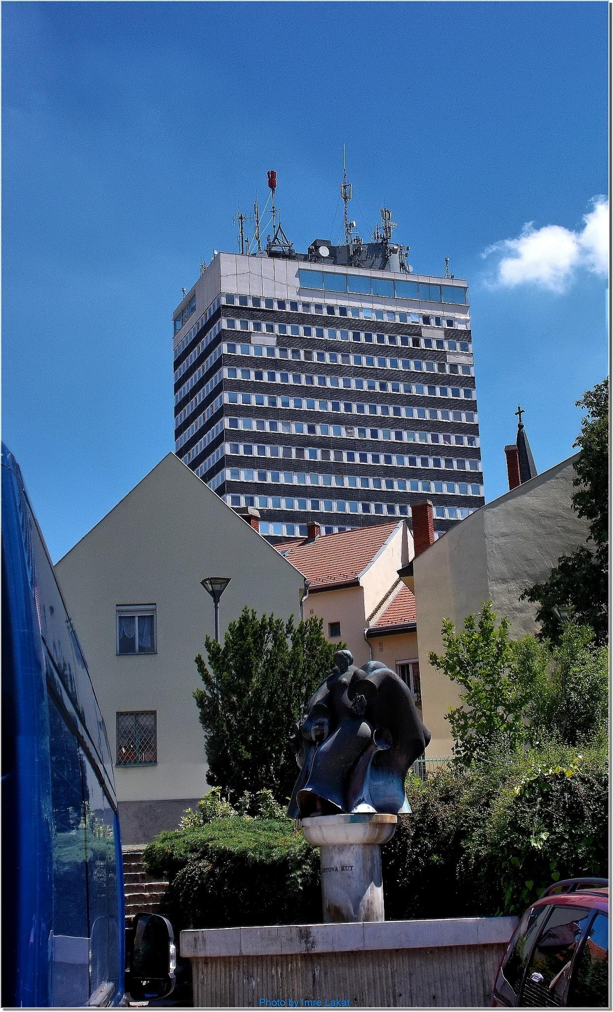Fortuna monument in Veszprém by Imre Lakat