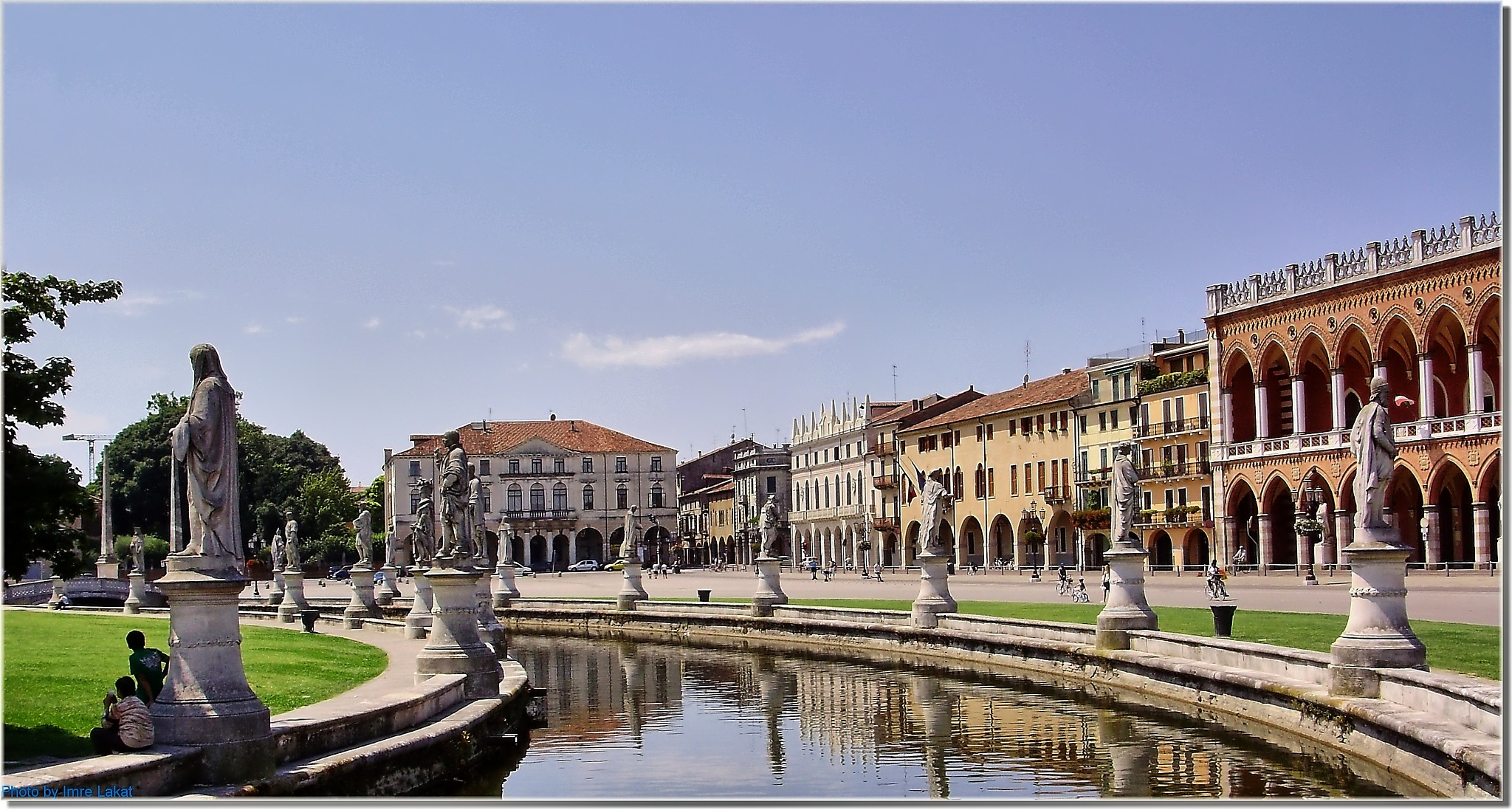 Piazza Prato della Valle, 12, 35123 Padova PD, Olaszország  by Imre Lakat
