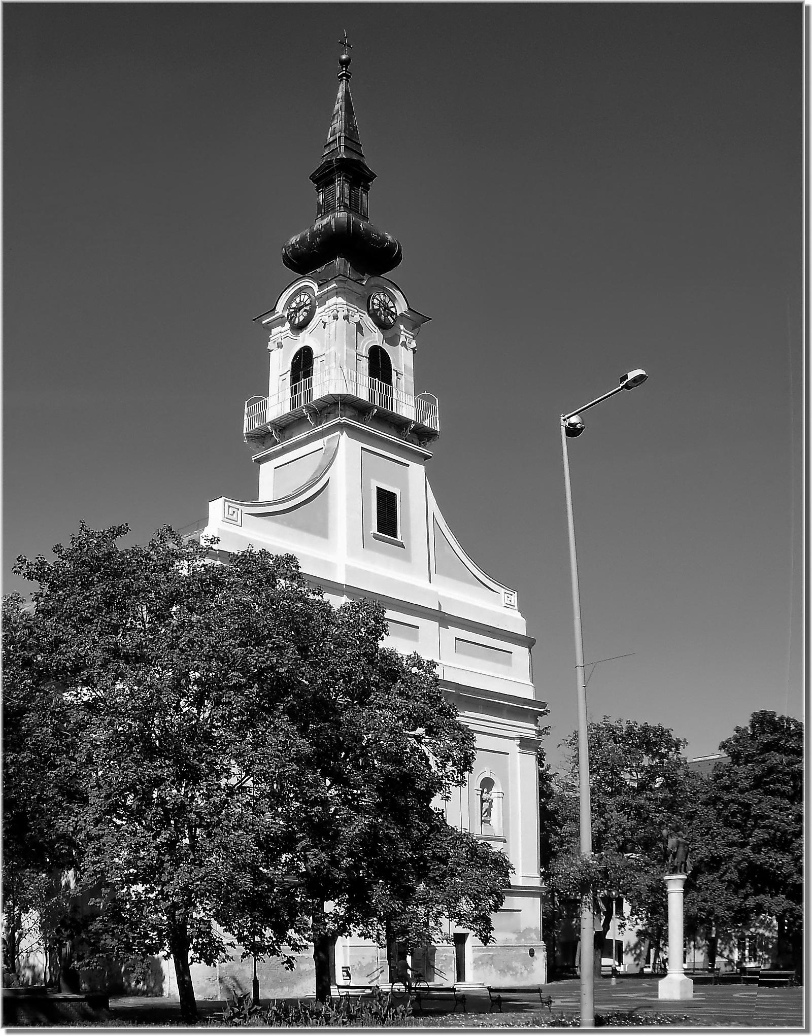 Katholische Kirche . Nagyboldogasszony Plébániatemplom . Csongrád, Kossuth tér 11 by Imre Lakat
