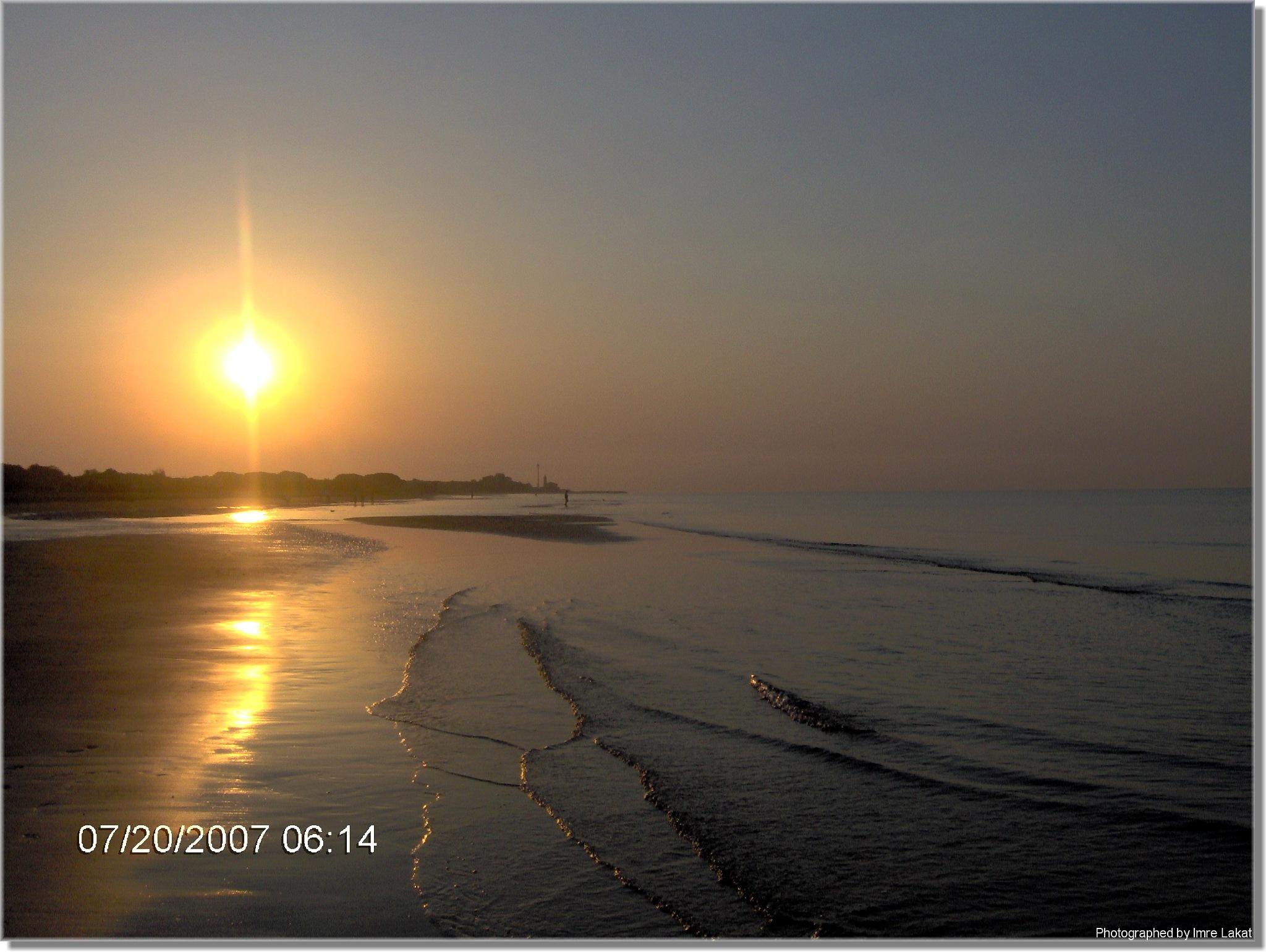 Sunrise ....Levata del sole sul mare .Adriatico, 10, 33054 Lignano Sabbiadoro Province of Udine, by Imre Lakat