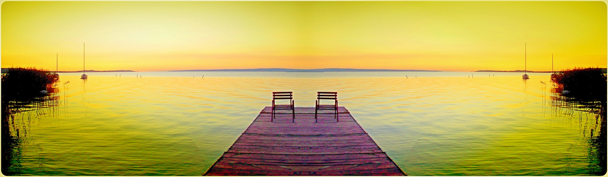 Panoramio : ENDE *First Prize _ March 2012 Symmetry _ Hajnalodik jobbról is , balról is... Dawn as w by Imre Lakat