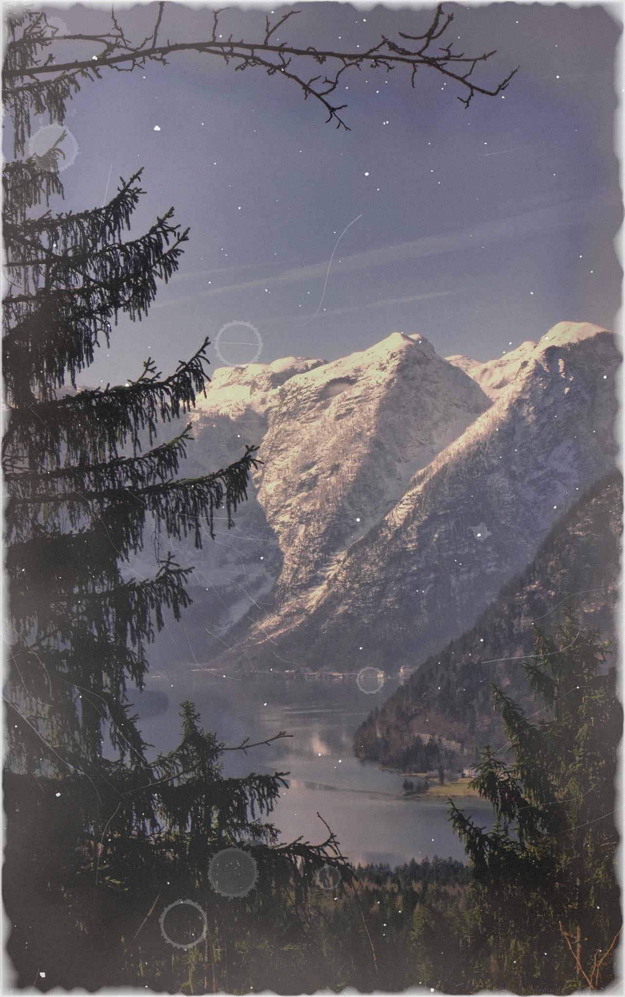 Hallstättersee und Hallstatt mountains by Imre Lakat