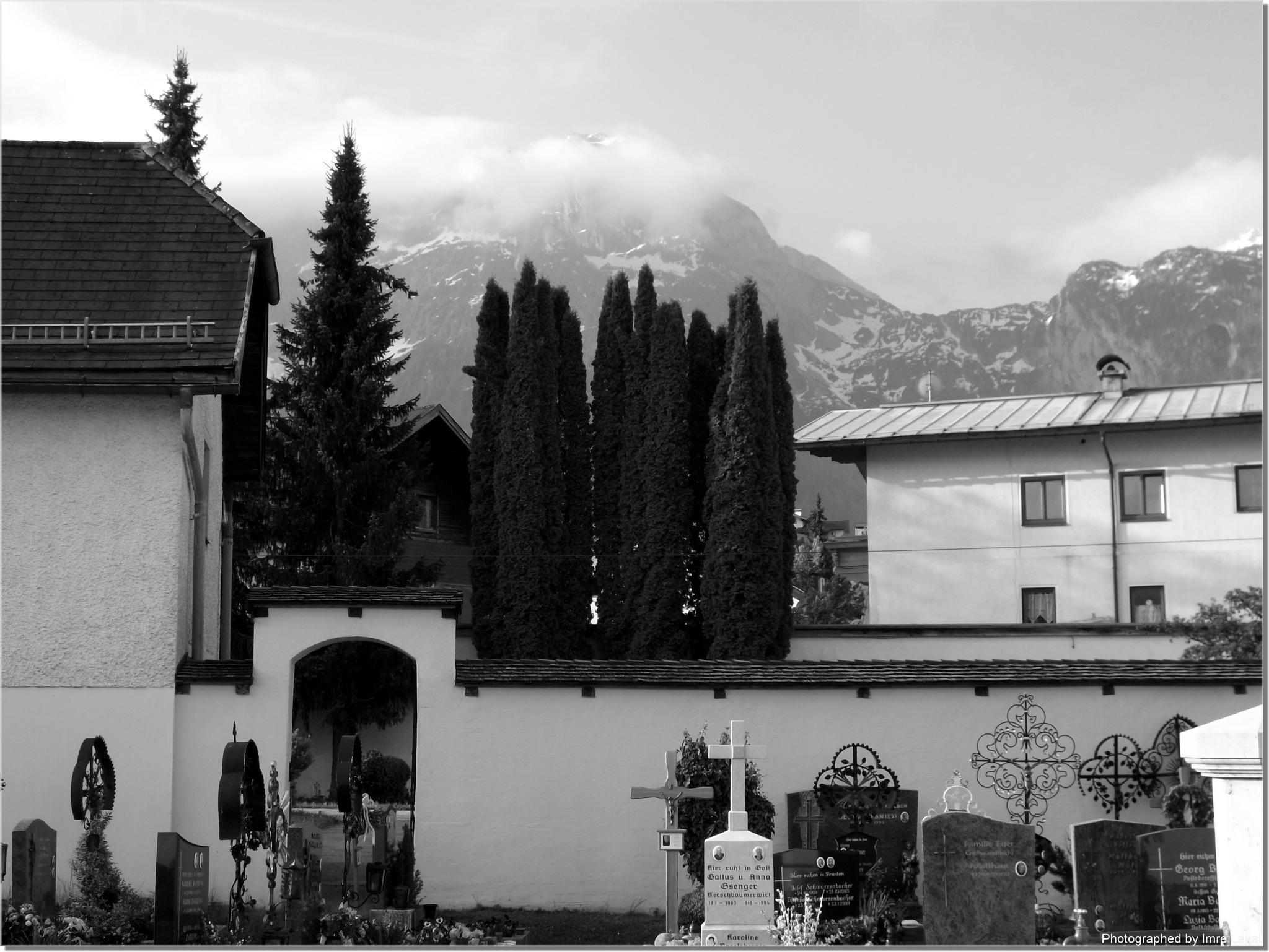 Heiliger Blasius und Abtenau . Friedhof by Imre Lakat