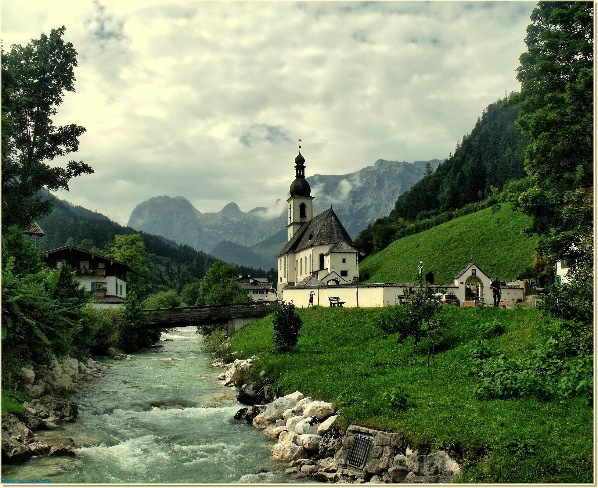 Kirche by Imre Lakat
