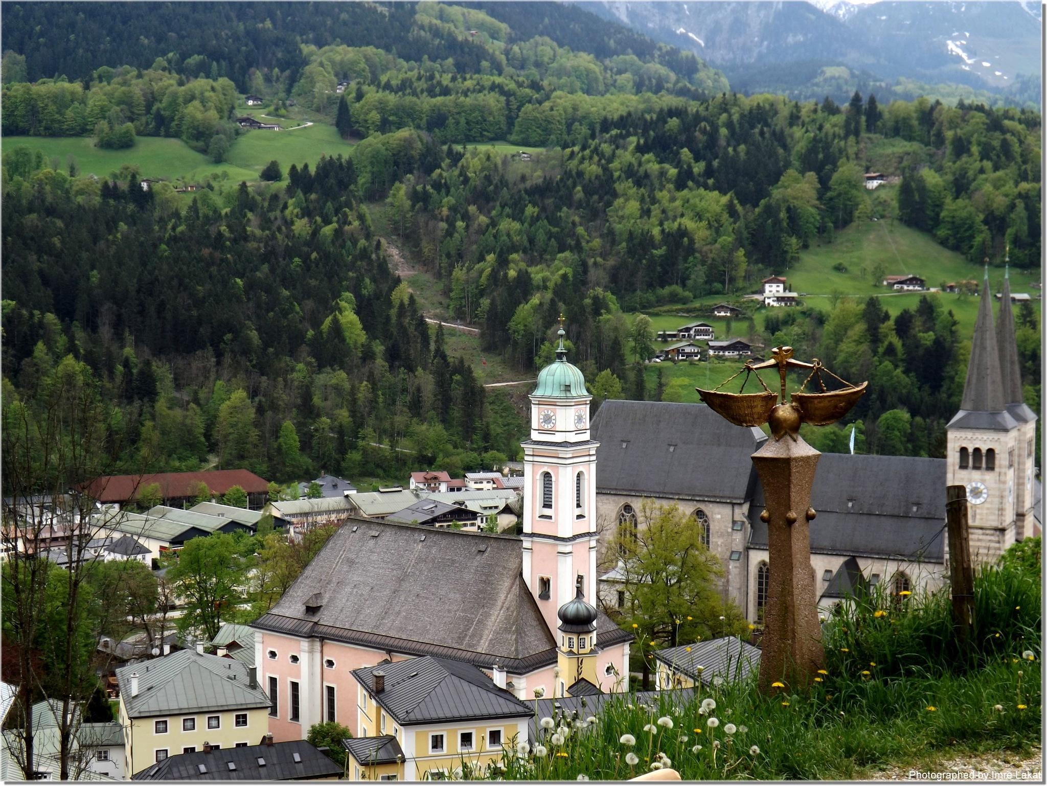 Stiftskirche St. Peter und Johannes der Täufer . Schloßpl. 8, 83471 Berchtesgaden,  by Imre Lakat