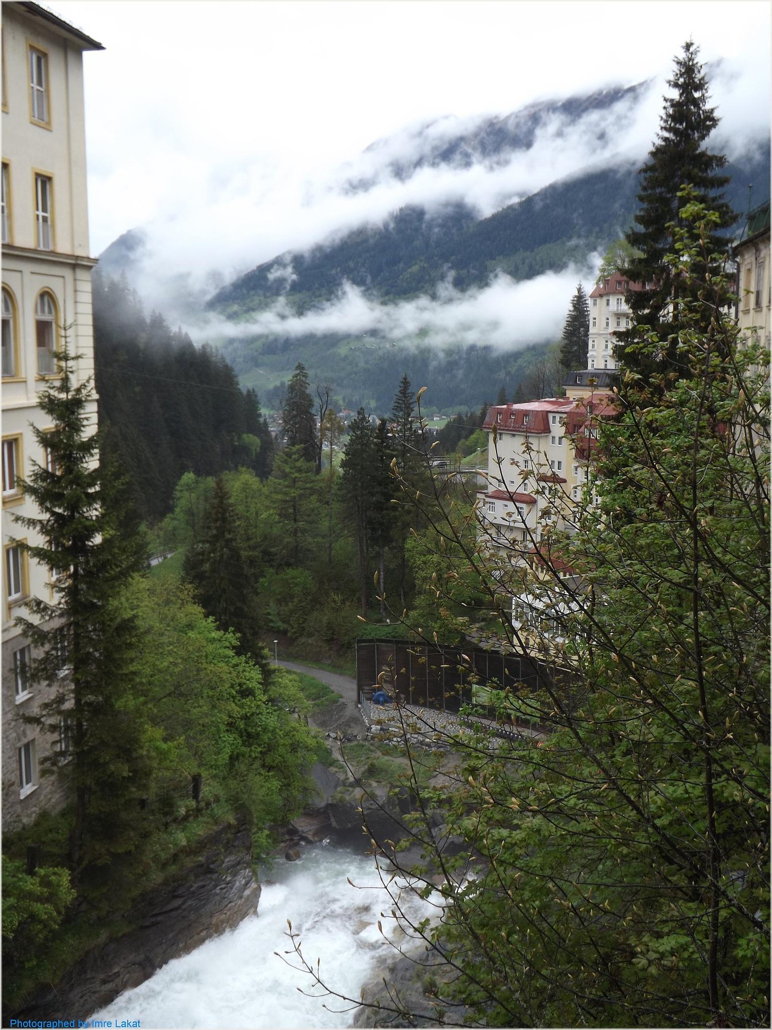 Wasserfall am Straubingerplatz . Bad Gastein  by Imre Lakat