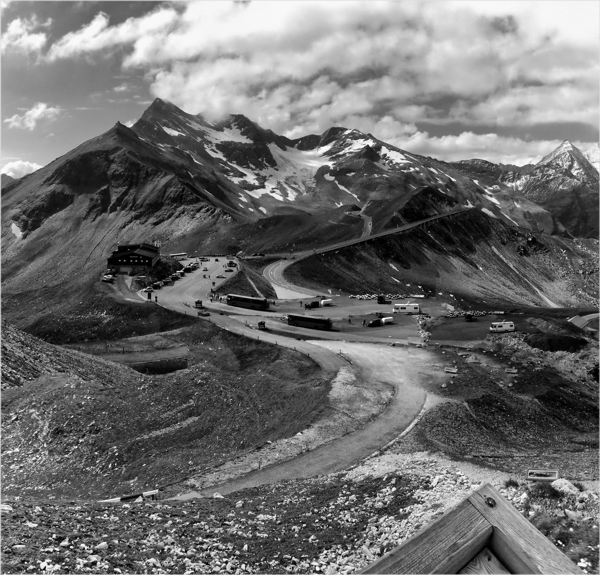 Edelweißspitze, Fusch an der Großglocknerstraße, Ausztria by Imre Lakat