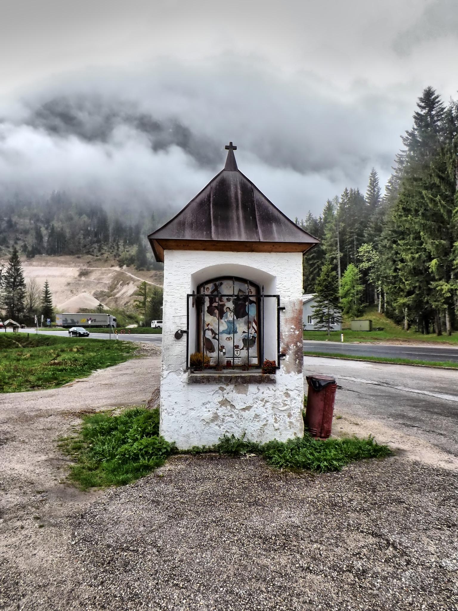 Kapelle by Imre Lakat