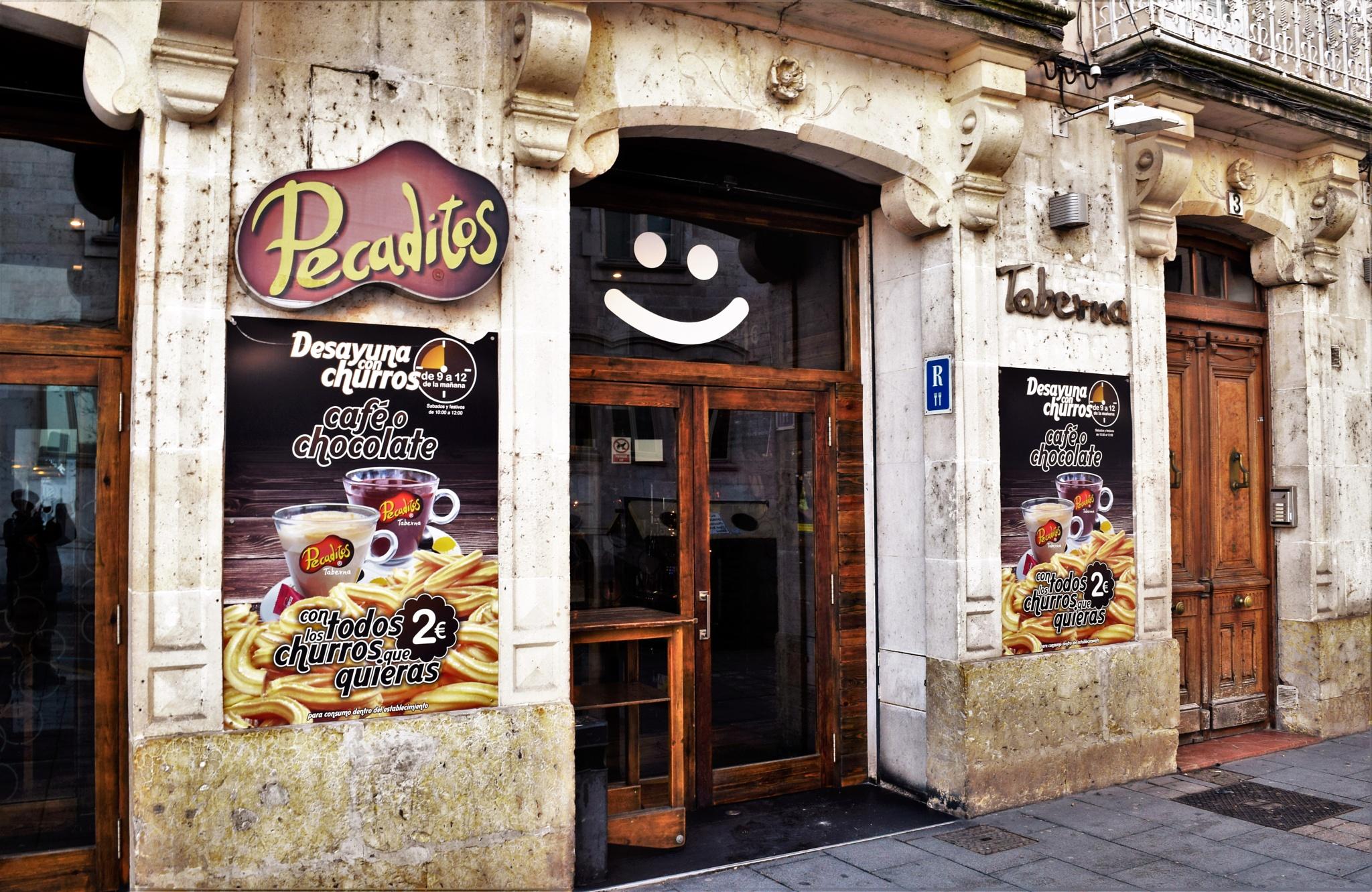Smiley Cafe by Leonardo Penaranda