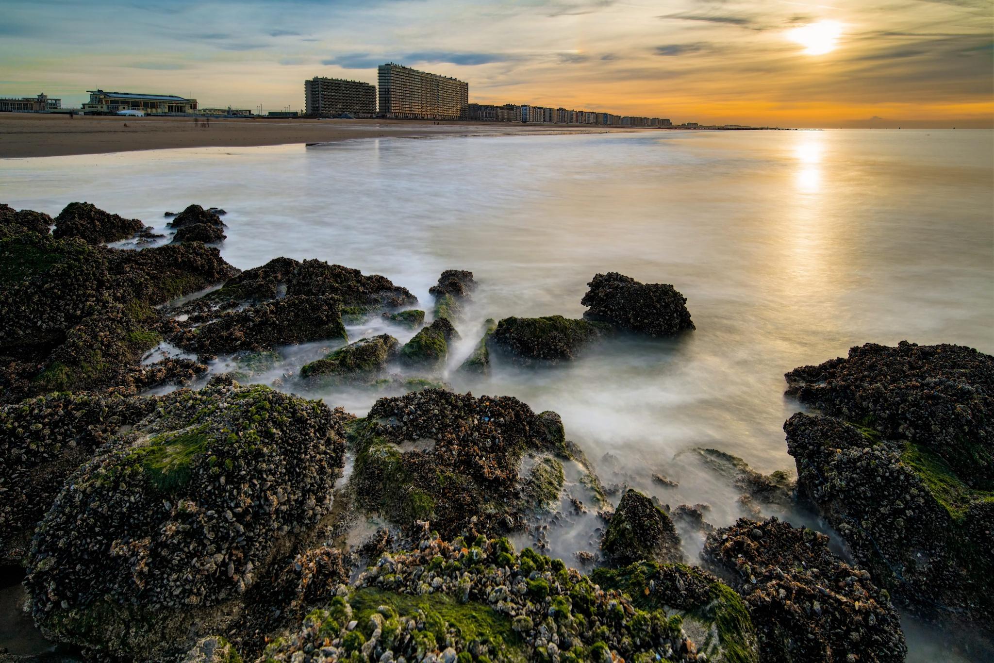 Ostend Beach by WimArys