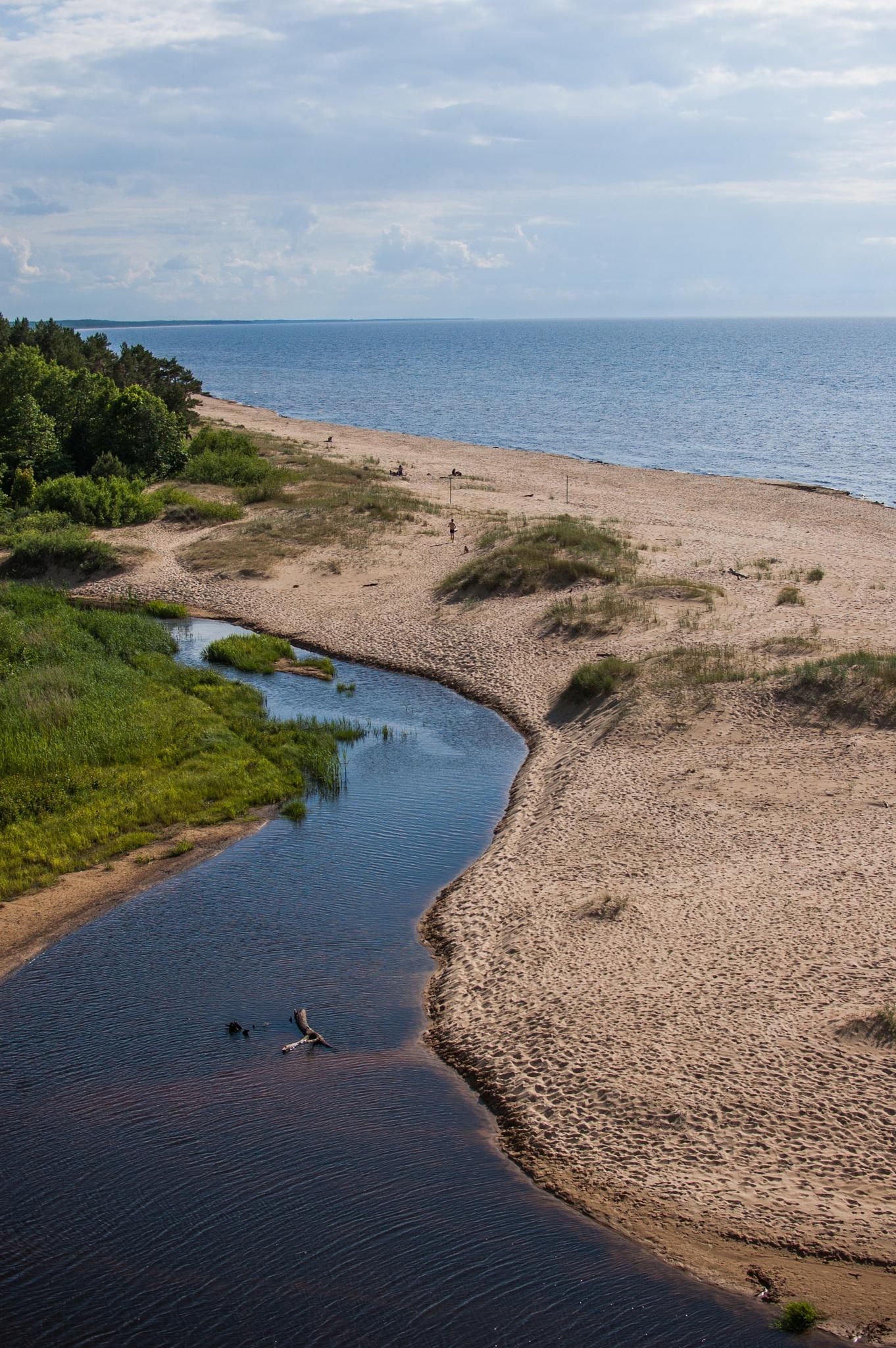 Sea coast by Laura Ozolina photography