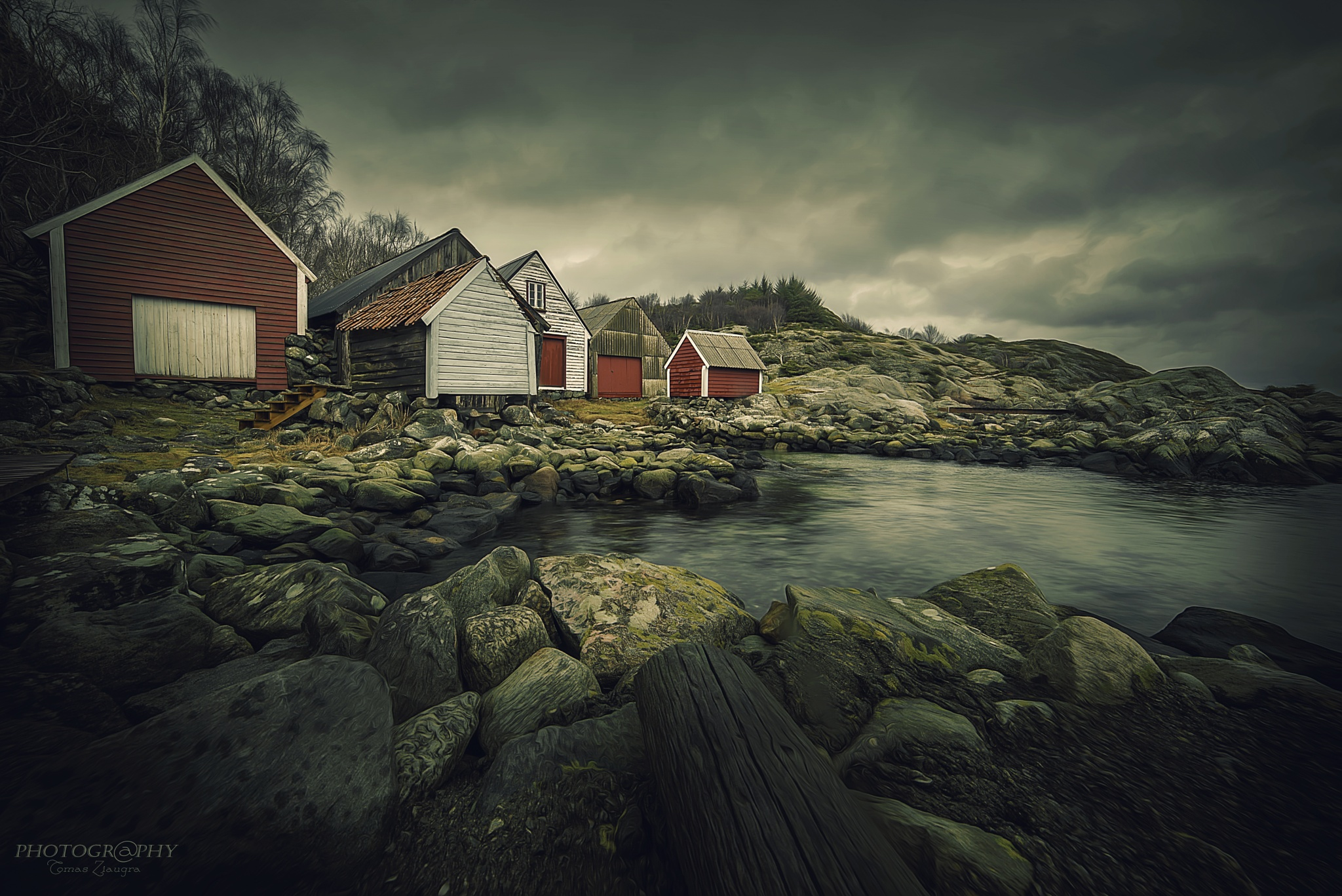 Small houses by Tomas Ziaugra