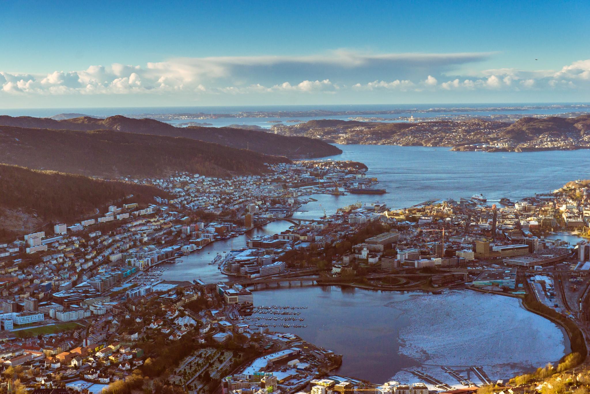 Bergen city by Tomas Ziaugra