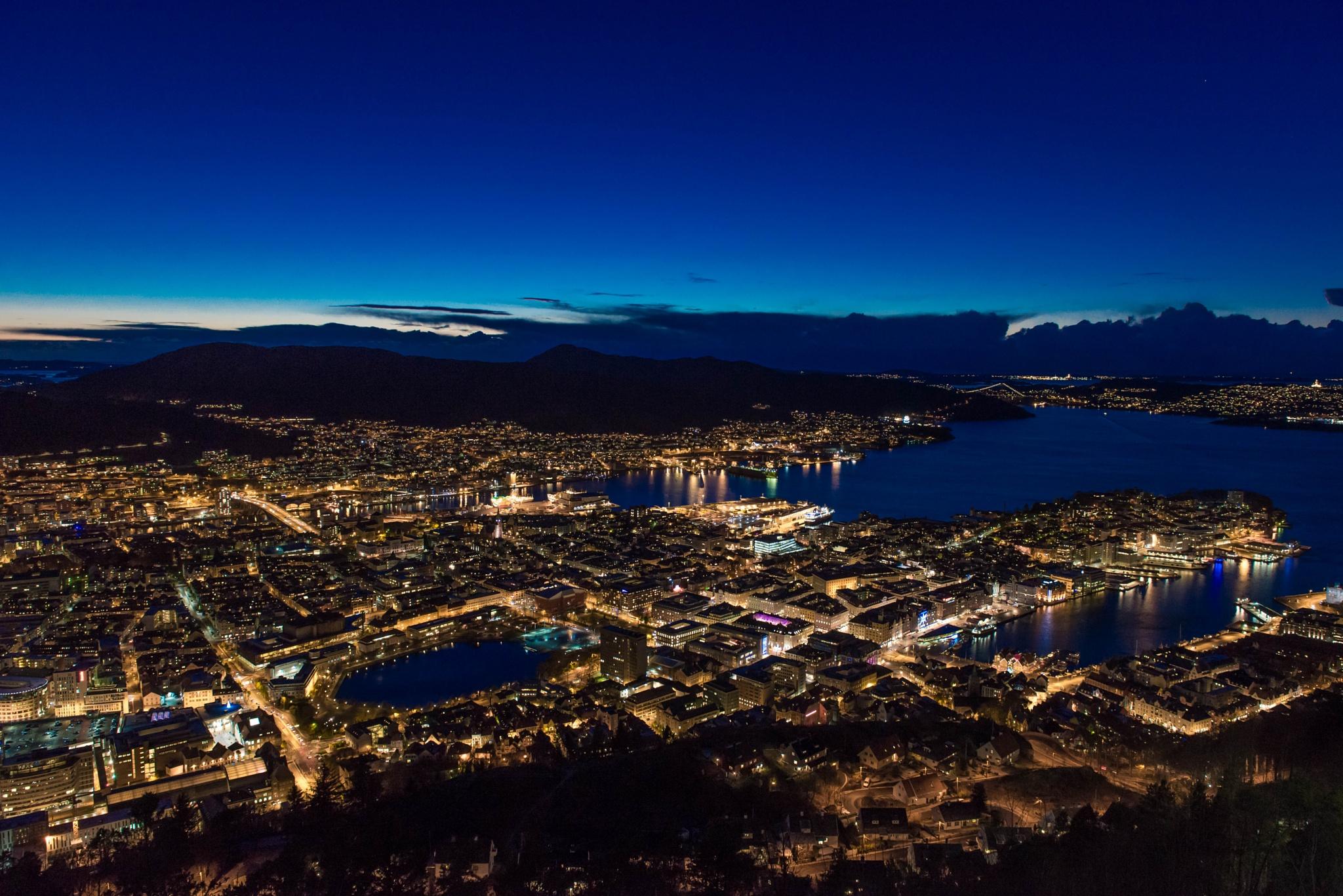 Night Bergen city  by Tomas Ziaugra