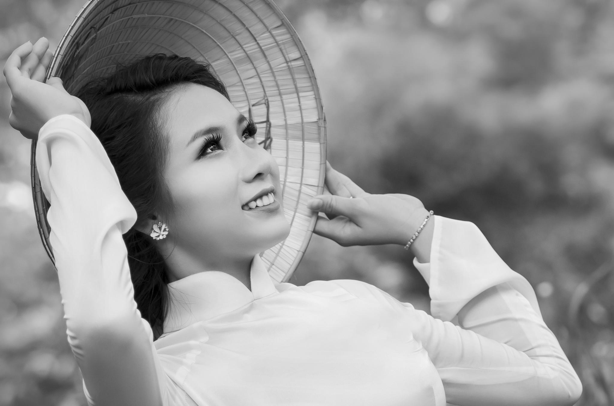 Nụ cười Việt Nam by Lý Phú Tại