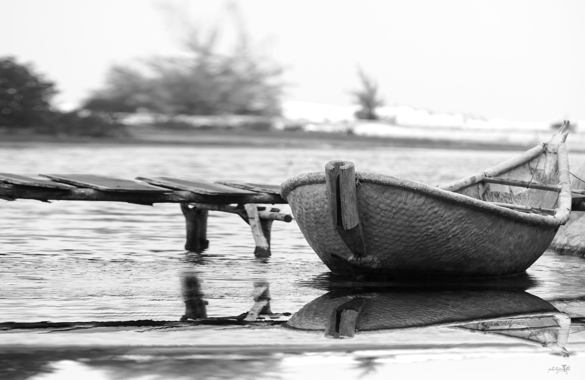 Một bóng đơn côi by Lý Phú Tại