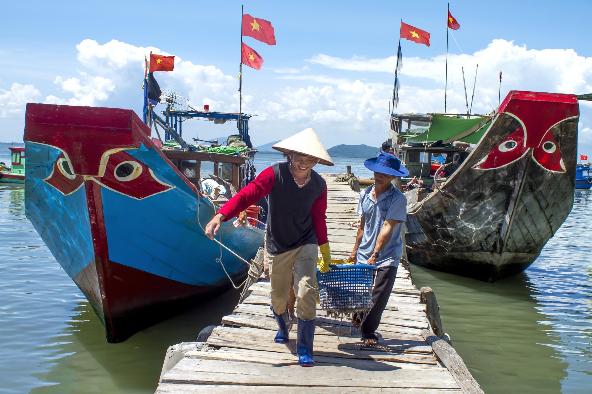 Đời ngư phủ by Lý Phú Tại
