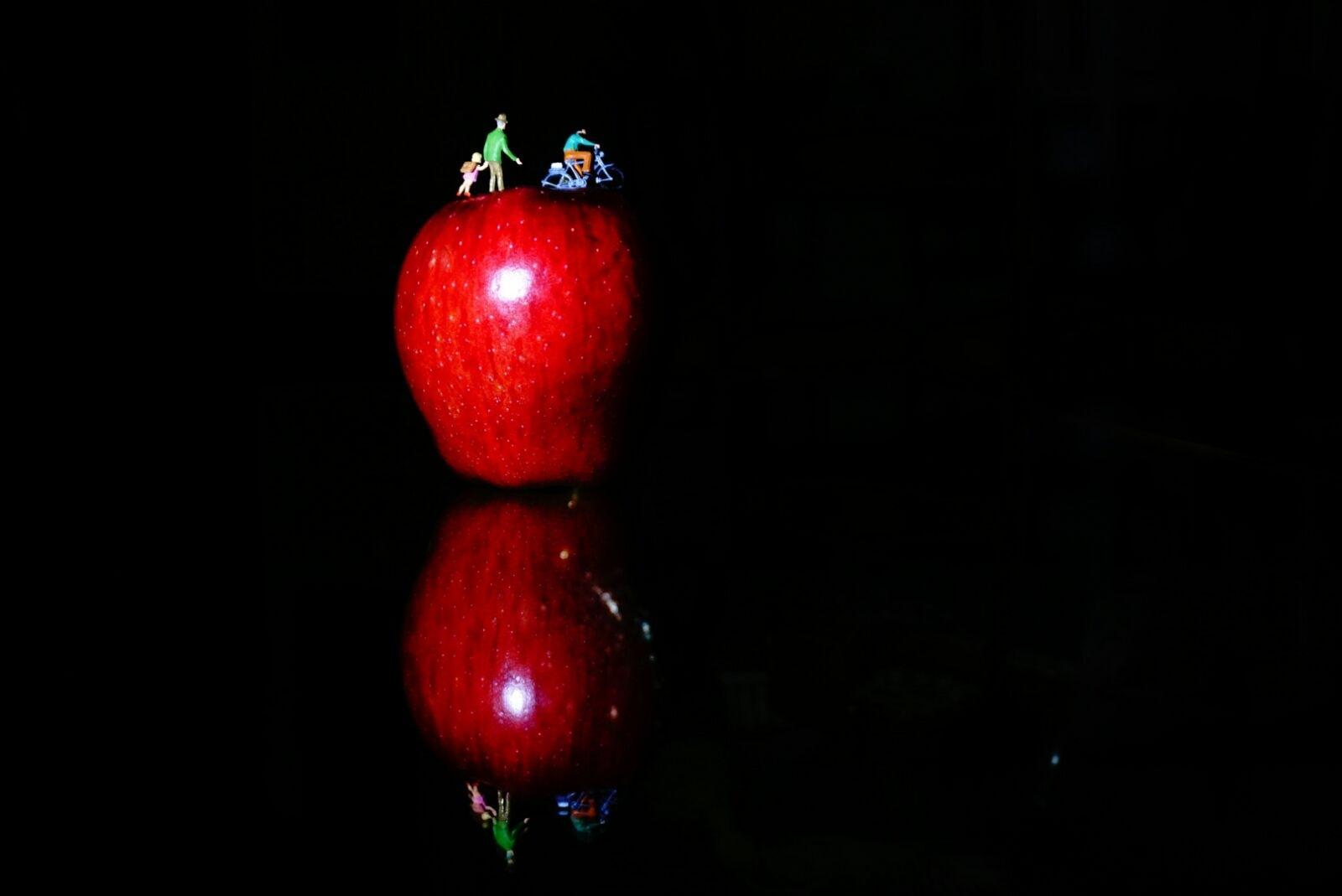 "Minicix Life "" RED APPLE "" by Mustafa Balta"