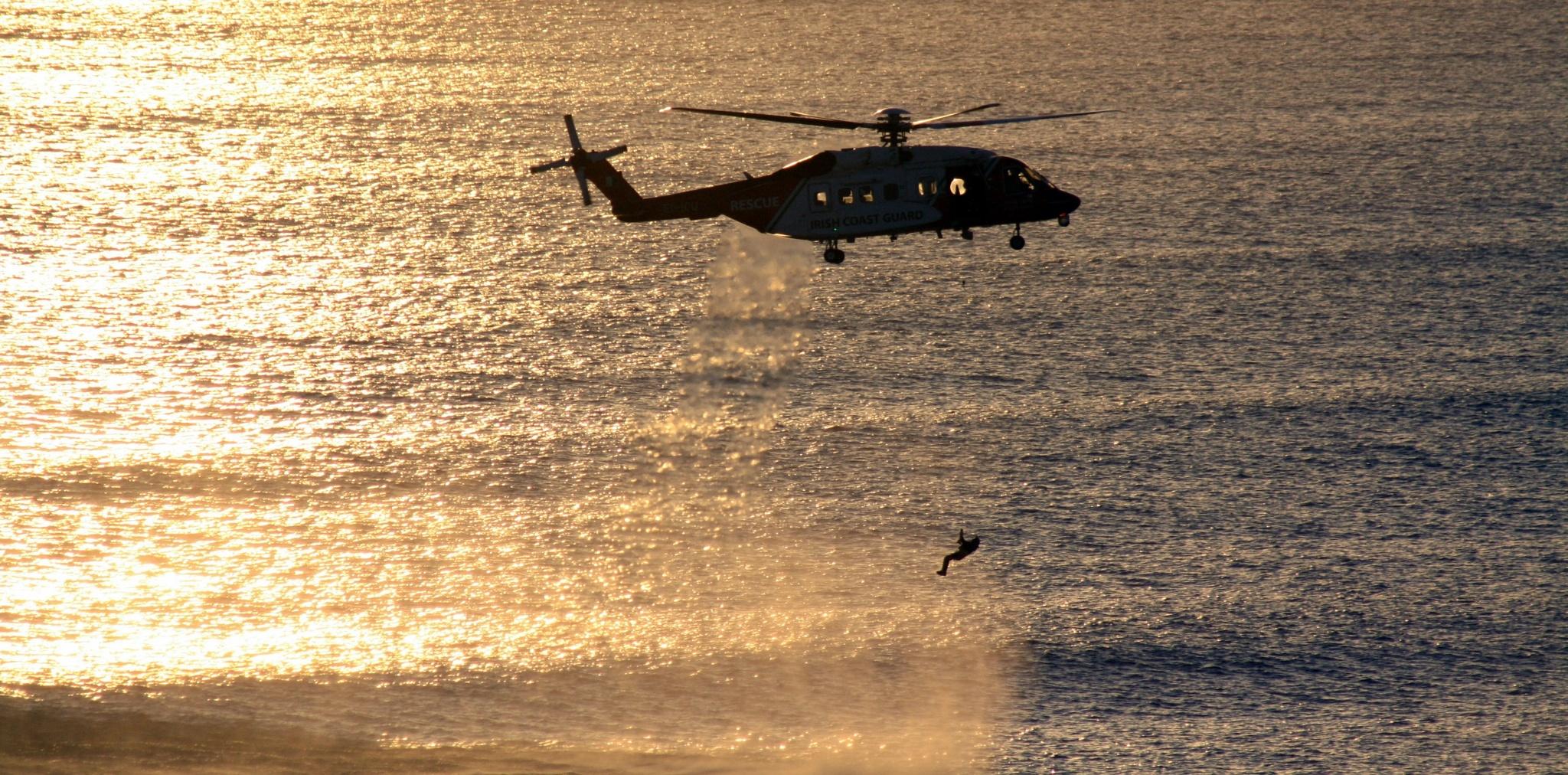Irish coast guard rescue 117 by Dáithí Ó Raghallaigh