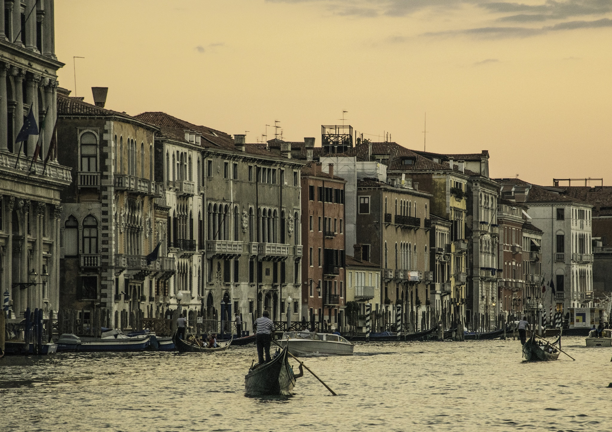 Venice - sunset on the Grand Canal by jimo