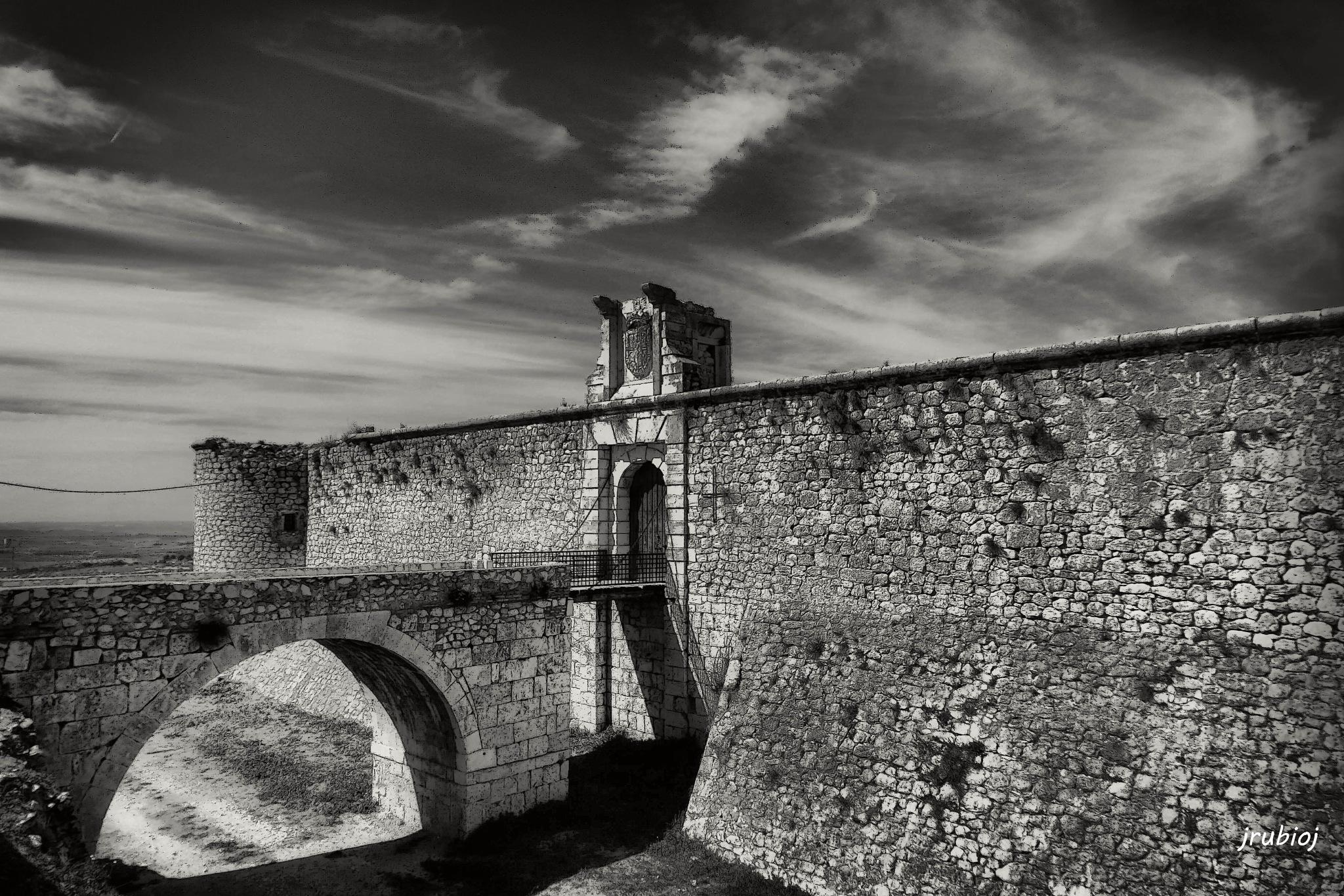 Castillo de Chinchon (Madrid) by julio rubio
