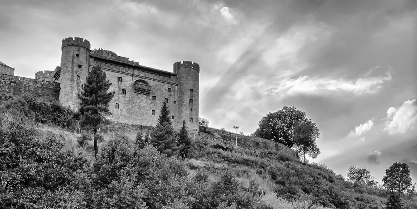 Castillo de Puebla de Sanabria (Zamora) by julio rubio